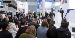 Foto: MEDICA CONNECTED HEALTHCARE FORUM with speaker and audience
