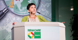 "Foto: Minister Barbara Steffens at the REHACARE Congress ""We for the quarter"""