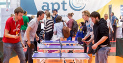 Foto: REHACARE SPORTS CENTER - People playing table tennis