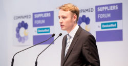 Foto: Speaker at the COMPAMED SUPPLIERS FORUM