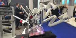 Image: Surgical robot with many arms at a trade fair presentation; Copyright: Erwin Keeve, Charité